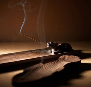 雍荷堂珐琅彩瓷器艺术品瑞兽香盘特色图片