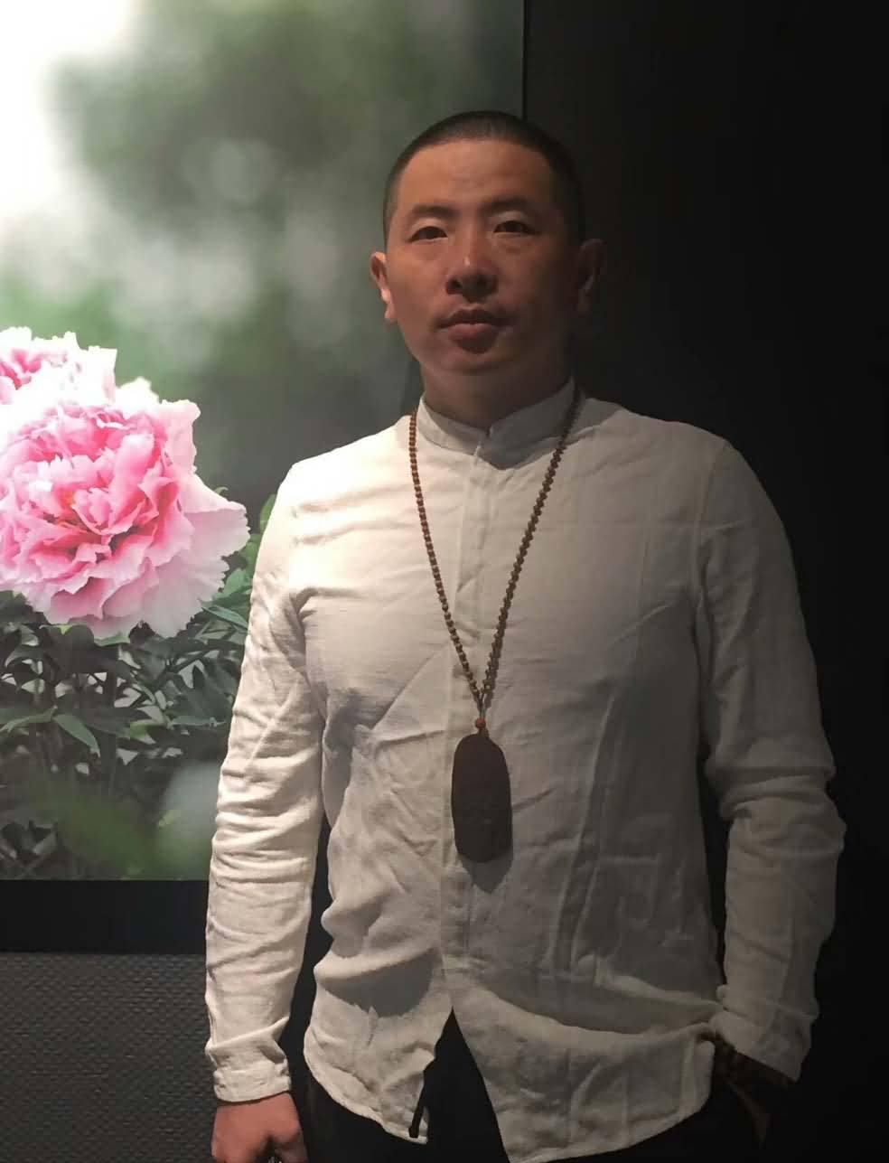 雍荷堂珐琅彩瓷器艺术总监刘进大师